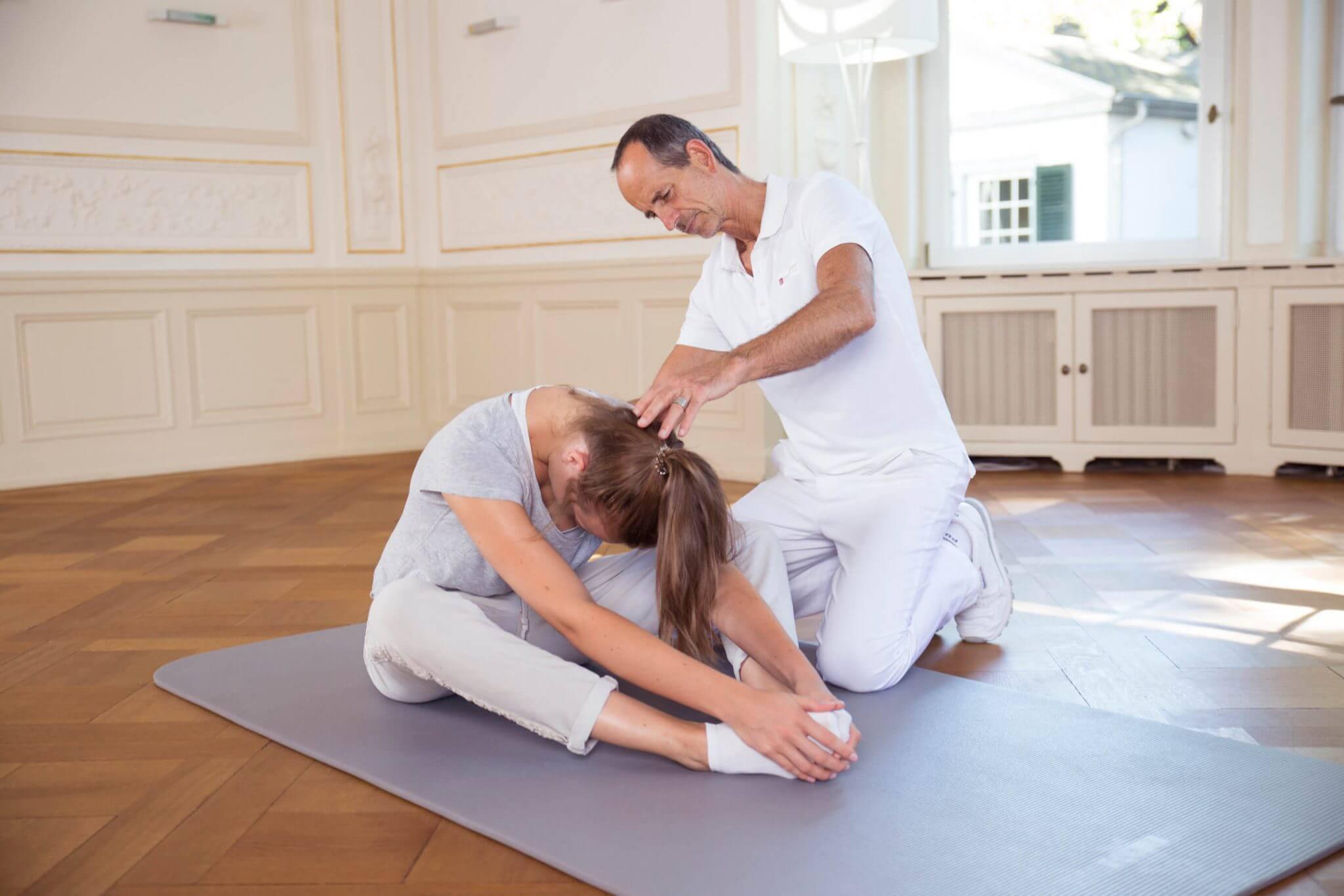 LWS-Schmerzen / Schmerzen in der Lendenwirbelsäule • Ursache ...