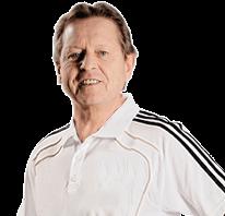 Portrait von Klaus Eder, dem Physiotherapeuten beim DFB & DOSB im Polo - Shirt der deutschen Fussball Nationalmannschaft
