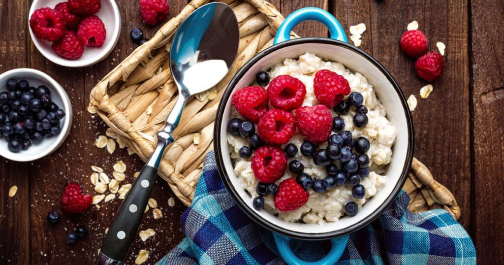 Frühstück und Abendessen für eine gesunde Ernährung