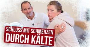 Roland Liebscher-Bracht gibt einer Patientin Tipps gegen Schmerzen bei Kälte