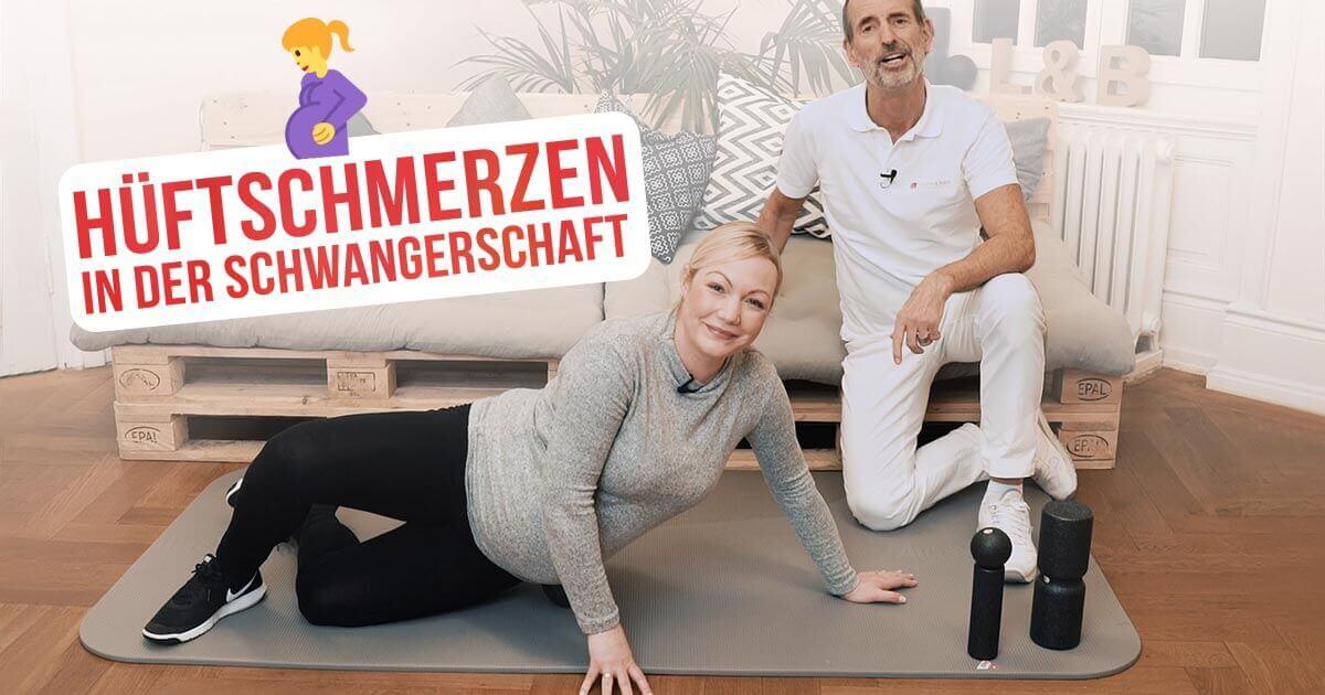 Schmerzspezialist Roland Liebscher-Bracht zeigt einer Patientin, was sie gegen Hüftschmerzen in der Schwangerschaft machen kann