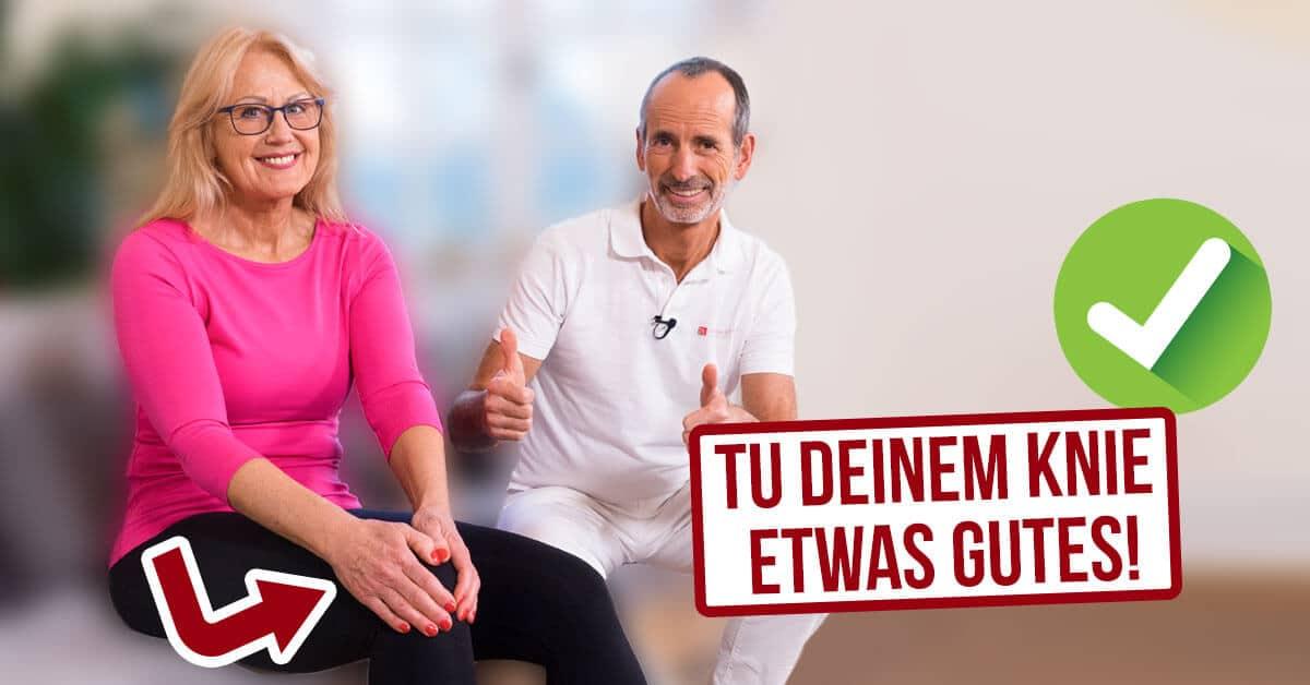 Roland Liebscher-Bracht empfiehlt eine Roland Liebscher-Bracht zeigt eine Übung mit der Dehnungsschlaufe gegen Knieschmerzen