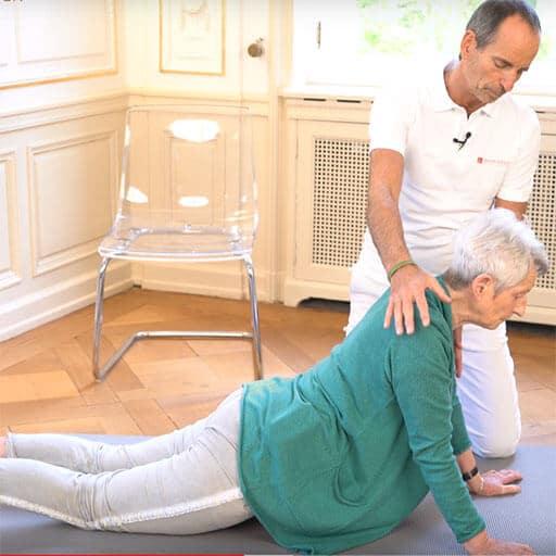 Hüftschmerzen im Alter Übung auf der Matte