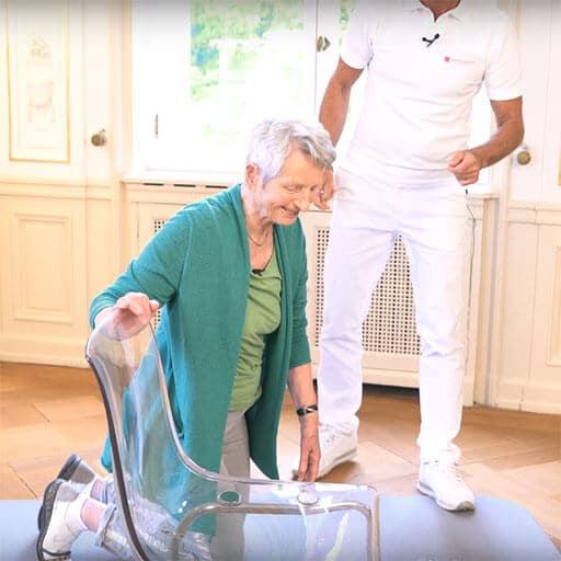 Leichter Aufstehen im Alter mit Übungen