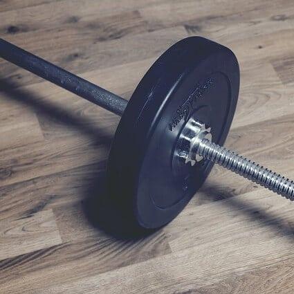 Behandlung von Schmerzen der Achillessehne mit exzentrischem Training