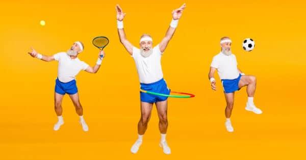 Ältere Männer treiben Sport und bewegen sich
