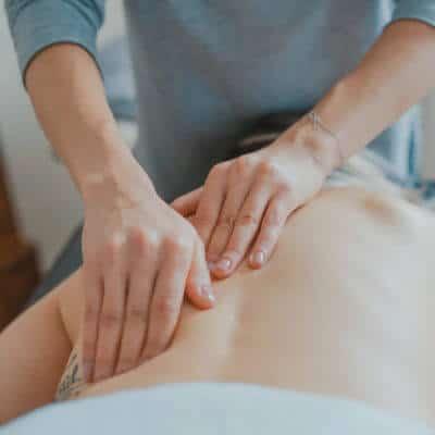 Manuelle Therapie wirksam bei Lendenwirbelsäule-Schmerzen