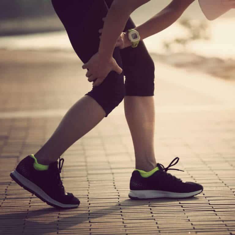 Beinschmerzen: alle Formen, Ursachen und Übungen für jeden..