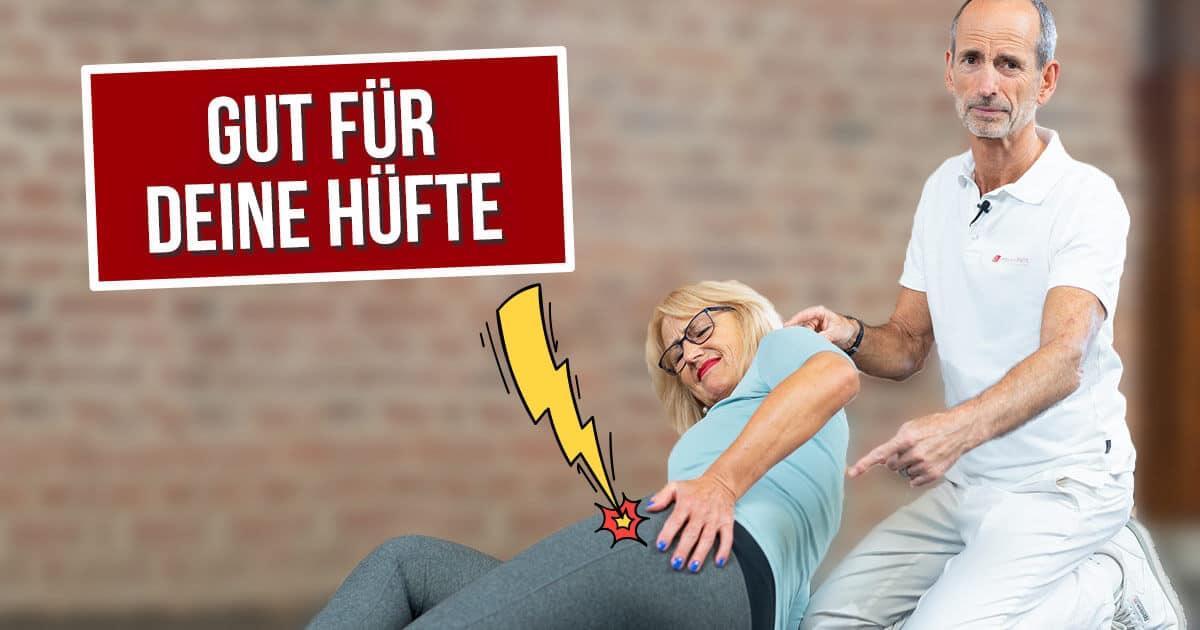 Roland Liebscher-Bracht zeigt einer Patientin die besten Übungen gegen Hüftarthrose