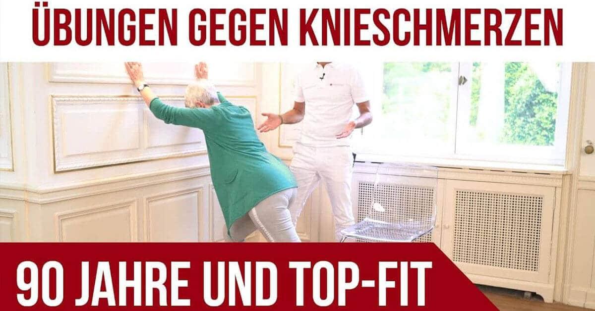 """Vorschaubild mit obigem Text """"Übungen gegen Knieschmerzen"""", dabei ist ein ältere Frau zu sehen, die sich gegen eine weiße, alte Wand stützt und ein Mann dazu anscheinend was erklärt. Im unteren Text steht """"90 Jahre und Top-Fit""""."""