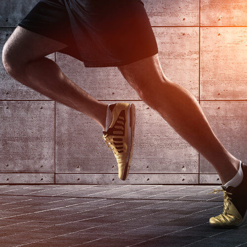 Beine eines Läufers beim Training