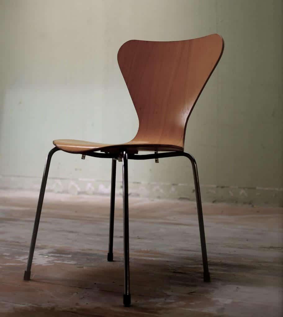 chair contemporary design 1420902 912x1024 - Akut-Hilfe bei Nackenschmerzen