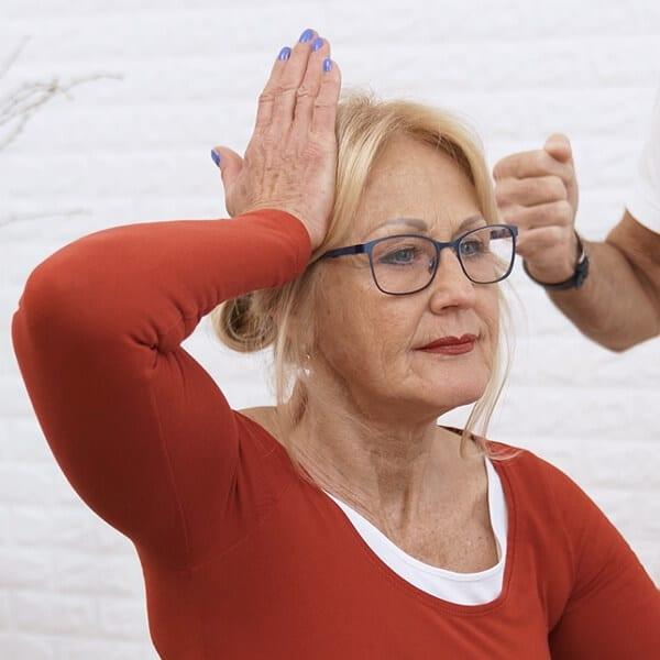 Nacken Fehler 2 - Nackenschmerzen - diese 3 Fehler solltest du unbedingt vermeiden!