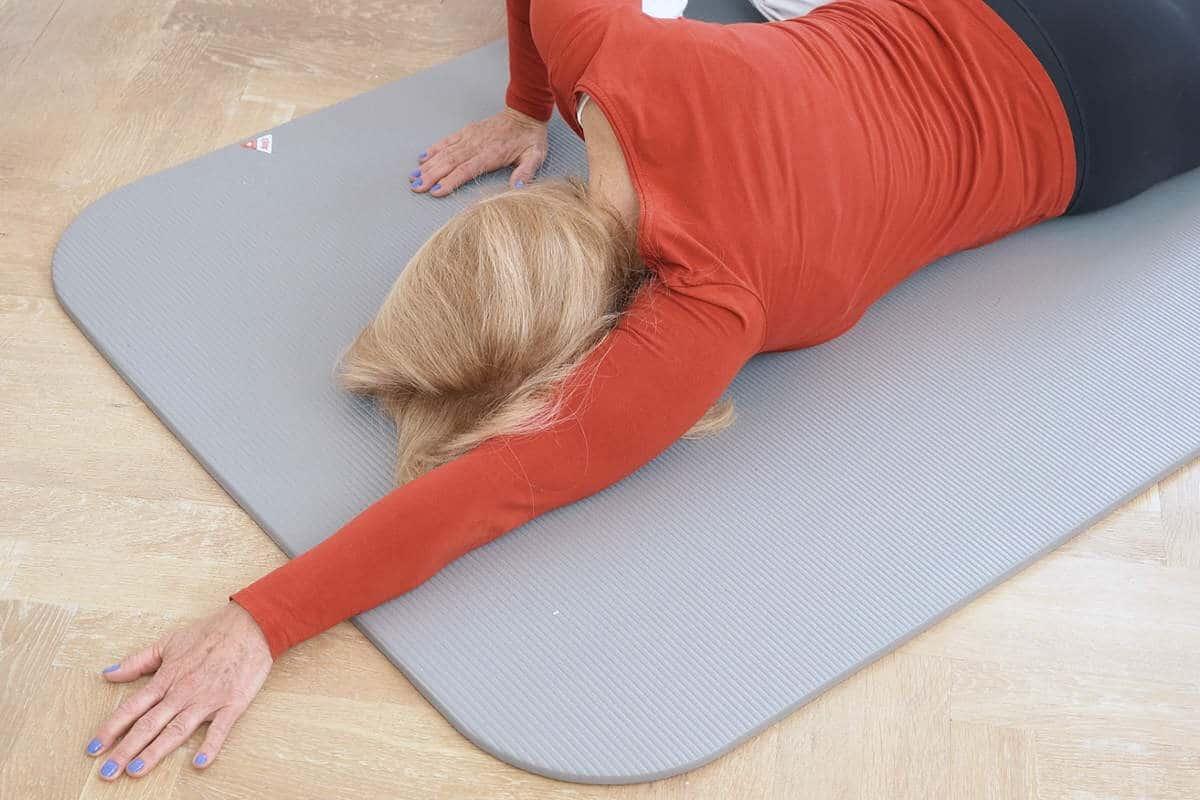 schulter uebung boden 4 liebscherbracht - Der Übungsablauf für eine bewegliche Schulter
