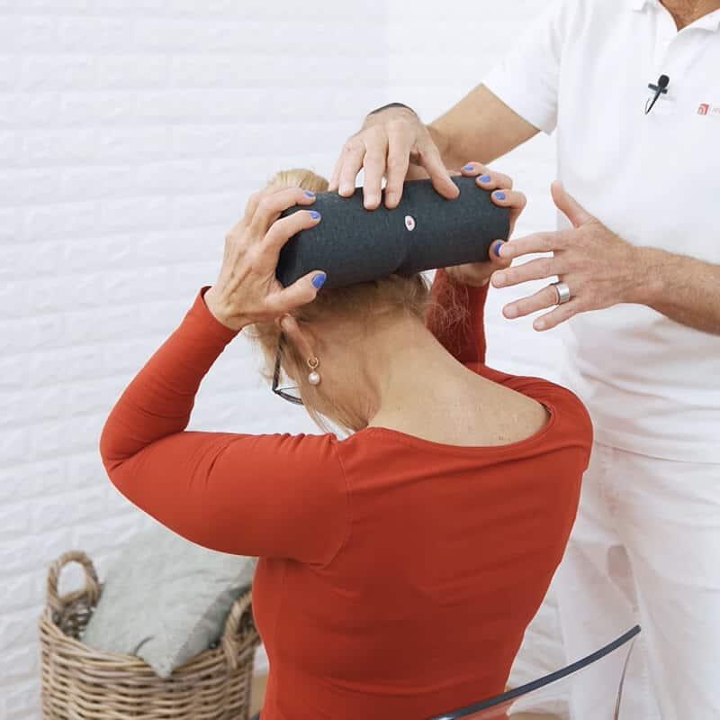 Nacken Muskel LiebscherBracht Uebung 2 050719 - Deshalb macht dieser Muskel Nackenschmerzen!